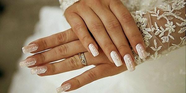 фото нежного свадебного маникюра