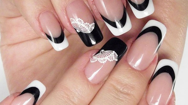 Бежевые ногти