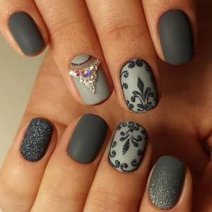 Дизайн ногтей из трех цветов