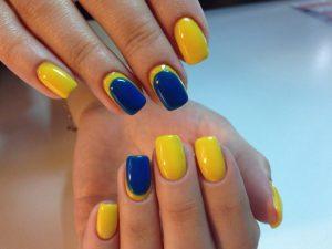 Сине-желтый маникюр - фото - Идеальный маникюр 34