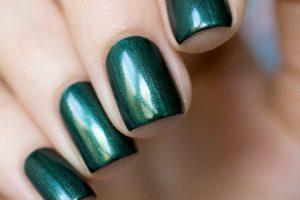 фото зеленых ногтей