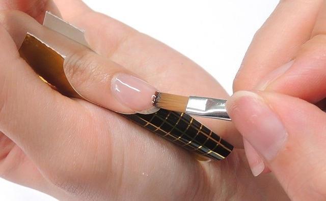 Как снимать нарощенные ногти на формах в домашних условиях