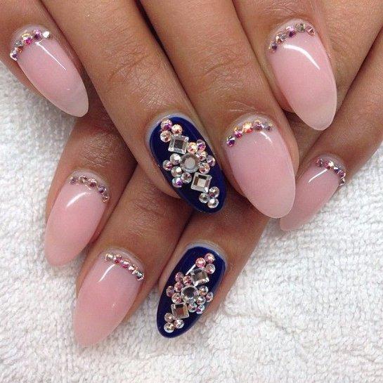 Миндалевидная форма ногтей на короткие ногти