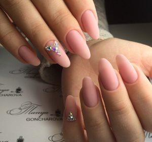Маникюр фото дизайн на миндалевидные ногти