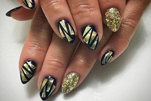 маникюр битое стекло на ногтях фото